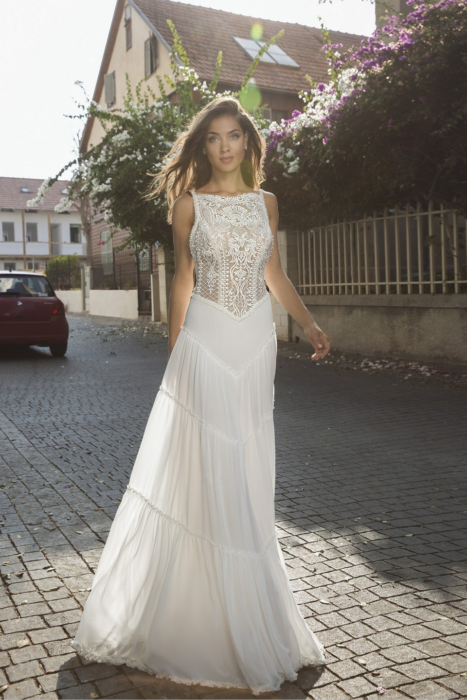 Elegant boho chiffon wedding dress